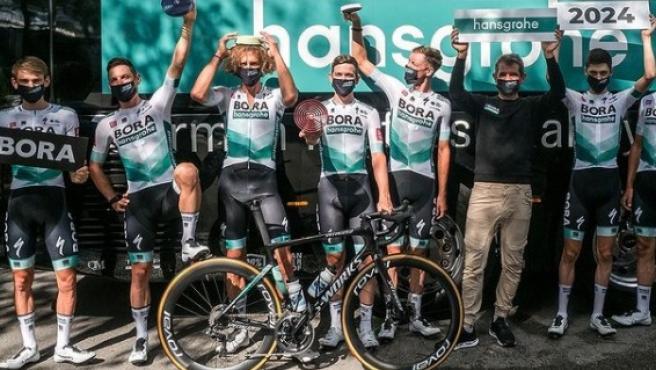 Ciclistas del Bora-hansgrohe.