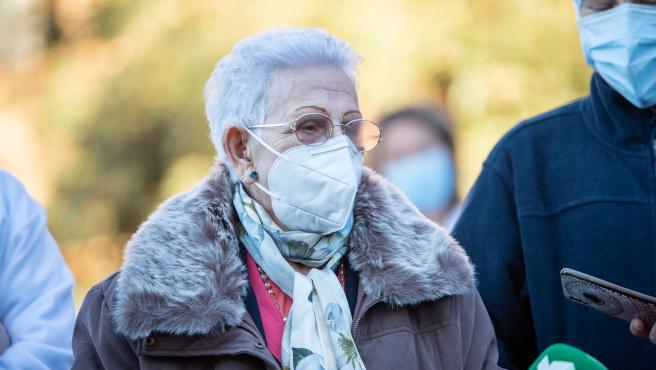 Araceli, de 96 tras recibir la segunda dosis de la vacuna Pfizer-BioNTech.