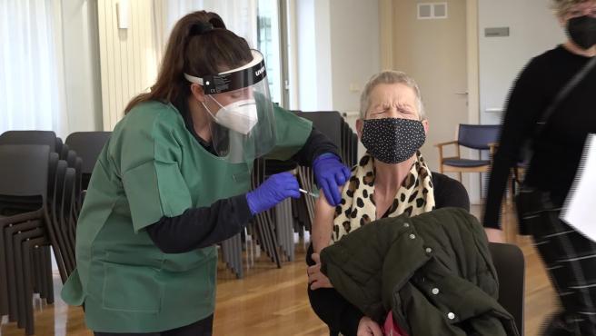 Comienza la administración de la segunda dosis de la vacuna en las residencias de Navarra