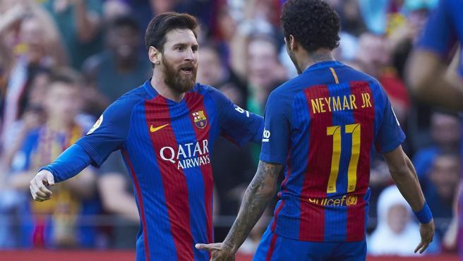 Messi y Neymar en un partido con el Barça en 2017.