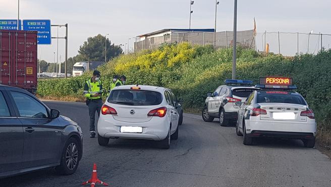 Control de tráfico por parte de Guardia Civil