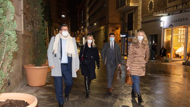 20/01/2021.-Murcia San Esteban llegada de Ana MArtinez Bernal a la reunion con Lopez Miras