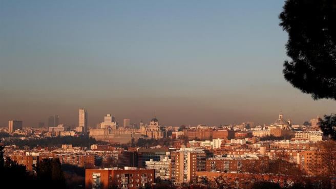 Boina de contaminación en Madrid, generada por el uso masivo de estufas y calefacciones durante el temporal Filomena.