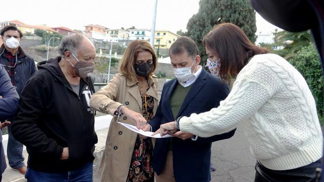 El alcalde de Santa Cruz de Tenerife, José Manuel Bermúdez, en una visita a la Vuelta de los Pájaros