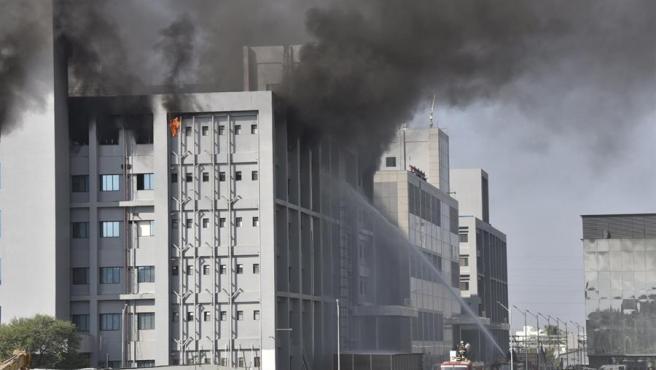 Incendio en el Instituto Serum de la India.