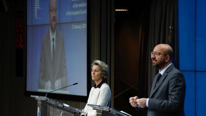 Ursula von der Leyen y Charles Michel, en rueda de prensa.