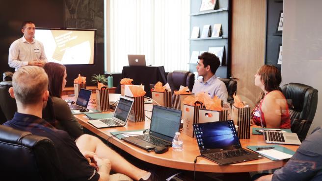 En España, más de 111.000 profesionales se dedican al sector de la publicidad.