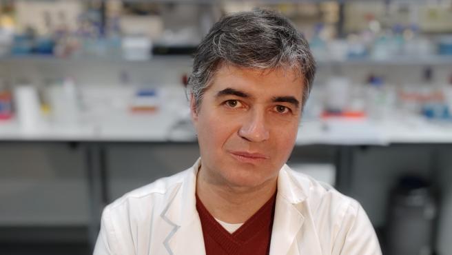 En la imagen, el doctor Óscar Aguilera.