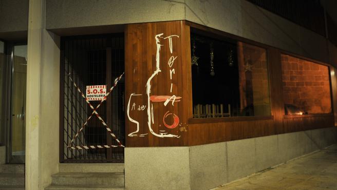 XINZO DE LIMIA (OURENSE) EN ALERTA MÁXIMA CON CIERRE TOTAL DE ACTIVIDADES NO ESENCIALES DESDE EL PRÓXIMO JUEVES. ALGUNOS LOCALES HOSTELEROS LLEVAN SEMANAS CERRADOS. EL TOQUE DE QUEDA FUE HOY A LAS 20,00 HORAS POR RECOMENDACIÓN DEL AYUNT