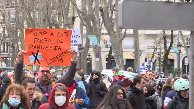 Manifestación negacionista en Madrid pide libertad