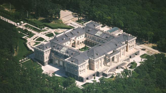 Imagen del supuesto palacio de Putin a orillas del Mar Negro.