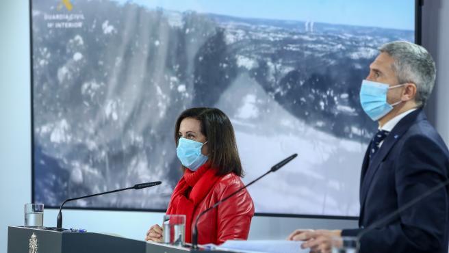 La ministra de Defensa, Margarita Robles, y el ministro del Interior, Fernando Grande-Marlaska, en una imagen de archivo.