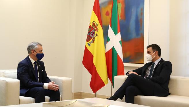 Pedro Sánchez e Íñigo Urkullu, este lunes en Moncloa.