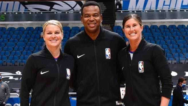 Natalie Sago y Jenna Schroeder hacen historia en la NBA.