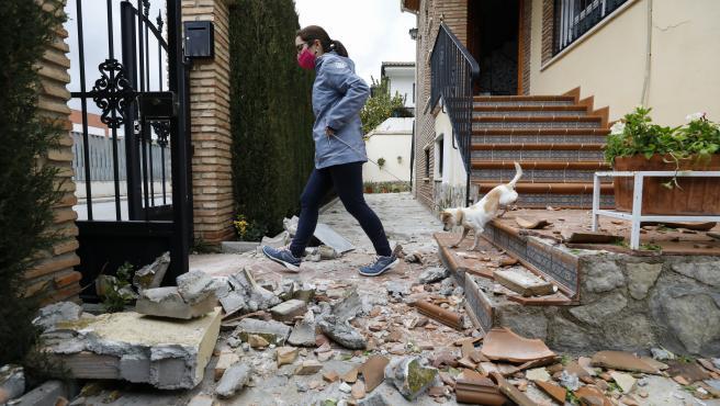 Un terremoto de 4.4 grados con epicentro en Santa Fe (Granada) deja numerosos daños materiales en varias viviendas de la localidad de Atarfe.