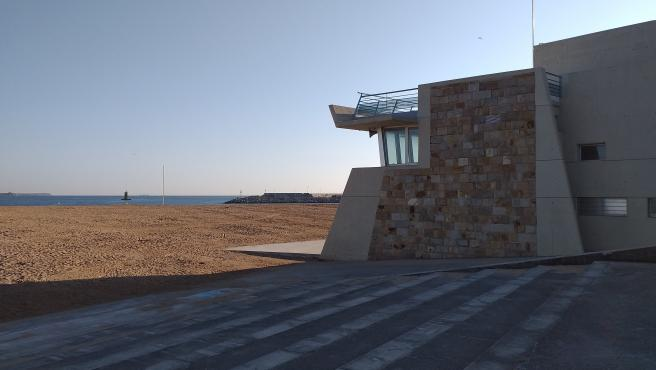 Caseta de Salvamento de la playa de Poniente
