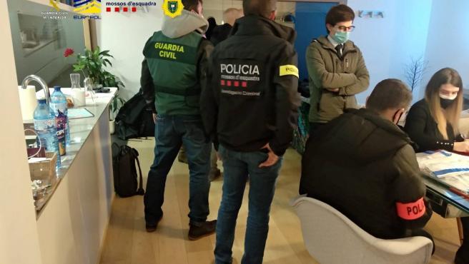 Seis detenidos en Andorra por presunto fraude internacional en trading