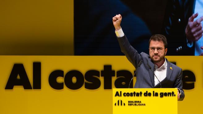 El candidato a la presidencia de la Generalidad de Cataluña, Pere Aragonés interviene en el inicio de la campaña electoral para los comicios del 14 de febrero, en el Teatro Monumental de Mataró, en Barcelona, Catalunya (España), a 28 d