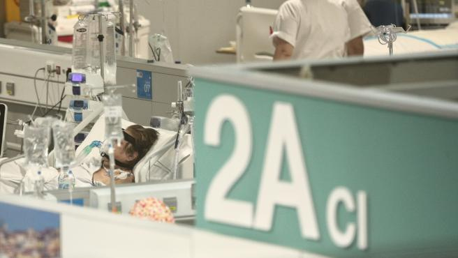 Enfermos en la Unidad 2A del Hospital de Emergencias Isabel Zendal.