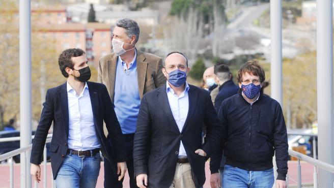 El presidente del PP, Pablo Casado, el alcalde de Badalona (Barcelona), Xavier Garcia Albiol, el candidato al 14F, Alejandro Fernández, y el alcalde de Madrid, José Luis Martínez-Almeida, en un acto en Badalona