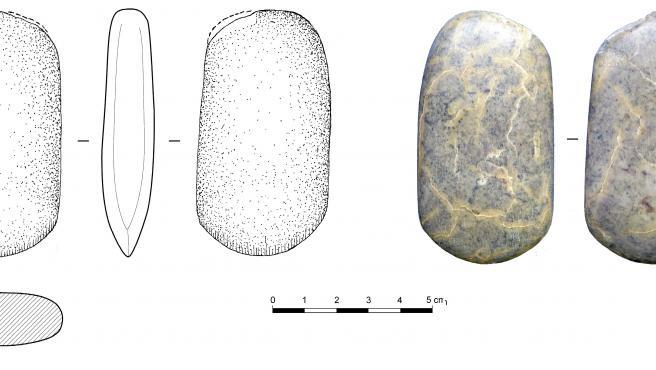 Hachas prehistóricas cedidas por Amigos de la Historia de Calahorra al Museo Municipal
