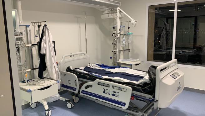 Sala de UCI en el Hospital Punta Europa de Algeciras
