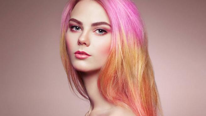 Desde el rubio rosado hasta el fucsia, el rosa es el color de la temporada.