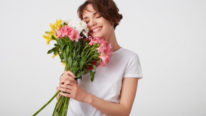 Las flores son ideales para dar vida a cualquier habitación de casa.
