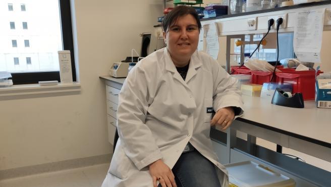 La científica española Lorena Sánchez Felipe trabaja en el Instituto Rega de Lovaina en el desarrollo de una vacuna contra la COVID.