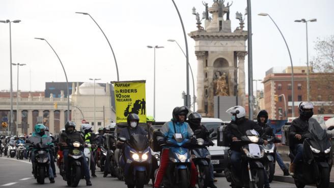 Cerca de 300 riders se han manifestado en Barcelona en contra de la nueva Ley Rider.