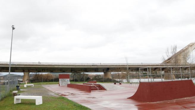 Skate park junto al río Guadiana en Mérida.