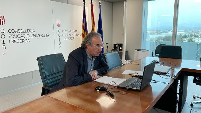 El conseller de Educación, Universidad e Investigación, Martí March, en el inicio de negociación sindical para acuerdo marco de recuperación de derechos sociolaborales de docentes 2021/2023.