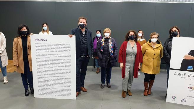 Presentación de la muestra itinerante 'Vacunas con firma de mujer'