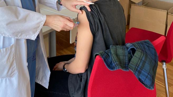 España supera el millón de personas vacunadas con dos dosis y Asturias se acerca a las 33.000