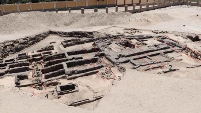 Imagen de la fábrica de producción masiva de cerveza más antigua encontrada en Egipto.