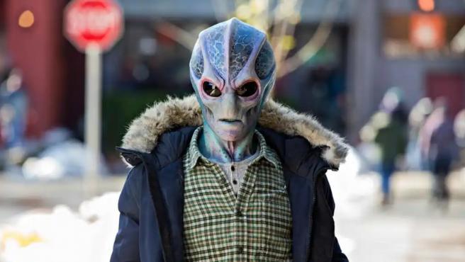 Una imagen de la serie 'Resident Alien', de SyFy