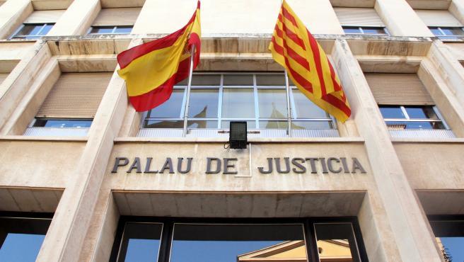 Fachada de la Audiencia de Tarragona.
