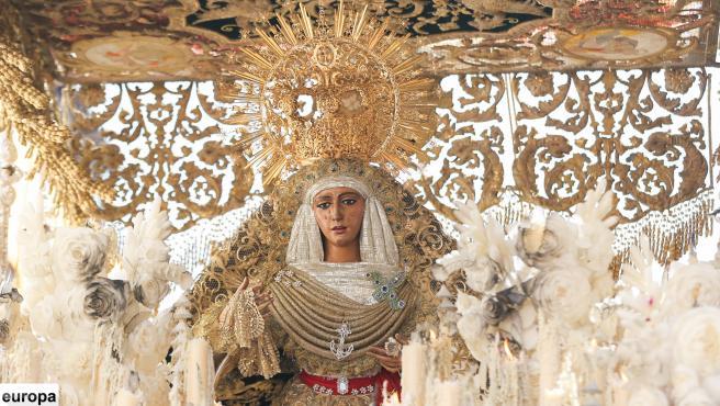 Archivo - Sevilla.- La ROSS y el Maestranza organizan el 15 de marzo 'Semana Santa' de Gutiérrez Aragón con marchas en directo