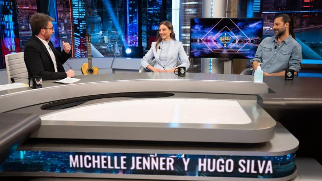 Michelle Jenner y Hugo Silva, en 'El hormiguero'.