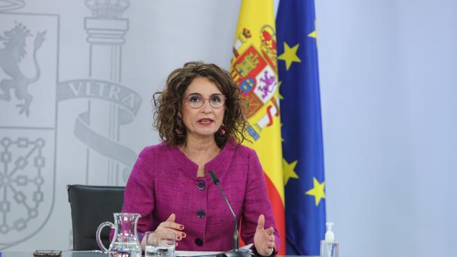 Montero apuesta por reavivar las ventajas de la Zona Especial Canaria para que todos los sectores se sientan llamados