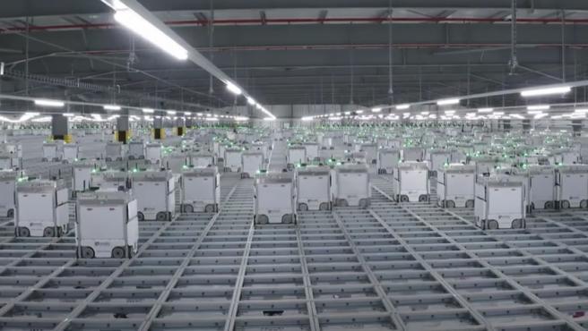 Ocado, un supermercado 'online' que funciona gracias a miles de robots.