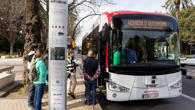 Primer autobús sin conductor.