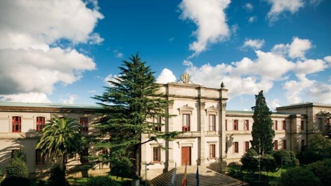 Archivo - Fachada principal del Pazo do Hórreo, sede del Parlamento de Galicia