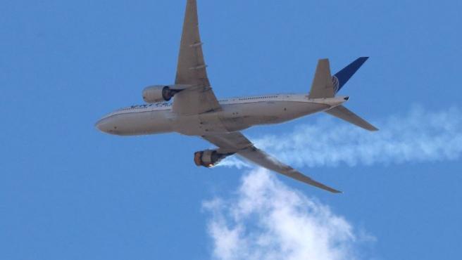El motor del Boeing 777-200 se incendió y tuvo que regresar al Aeropuerto Internacional de Denver.