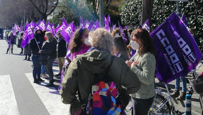 Concentración en protesta por la brecha salarial