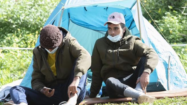 Inmigrantes en el campamento de Las Raíces, en La Laguna, Tenerife,