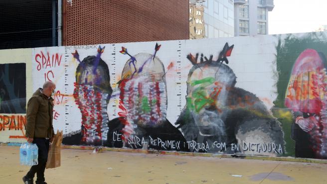 Destrozan el mural de Rock Blackblock en el Paral.lel.