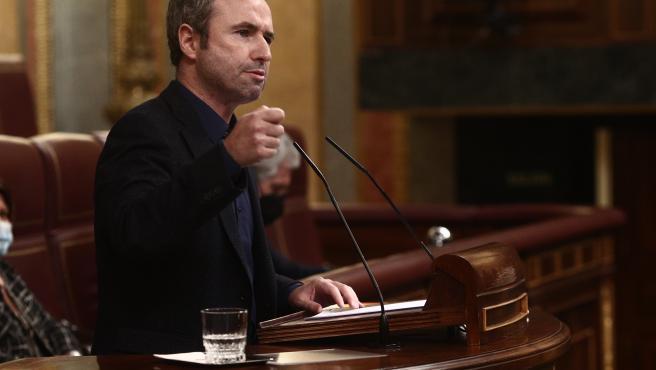 El diputado de Cs en el Congreso, Guillermo Díaz, interviene durante una sesión plenaria celebrada en el Congreso de los Diputados, en Madrid, (España), a 25 de febrero de 2021. El pleno, marcado por la elección de m