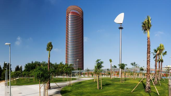 Parque Magallanes, junto a Torre Sevilla.