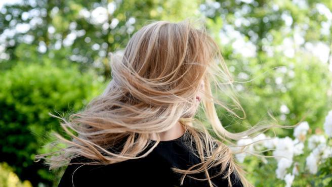 Todavía no está claro que es lo que causa la alopecia femenina.